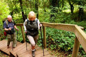 move couple hiking